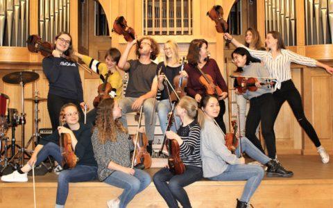 "Sommersemester 2019 - Fotoprojekt ""Das Orchester"": 1. Violine"