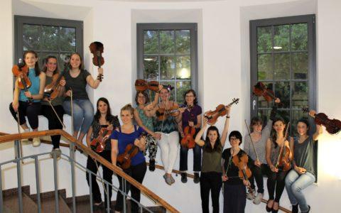 "Sommersemester 2019 - Fotoprojekt ""Das Orchester"": 2. Violine"